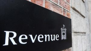Revenue logo